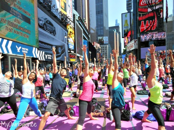Yoga-in-Times-Sq-4
