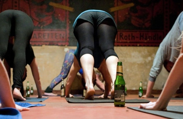 beer-yoga-is-the-weird-exercise-trend-we-could-all-get-into1-e1503528638594.jpg
